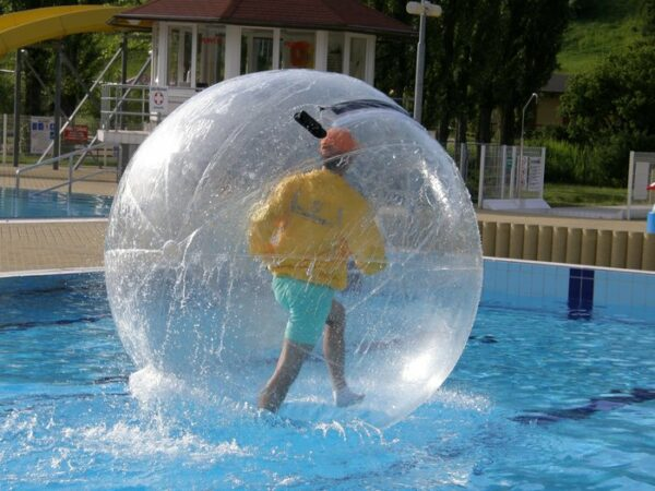 Aquaballs Wasserlaufen Giant Water Bubbles Rent