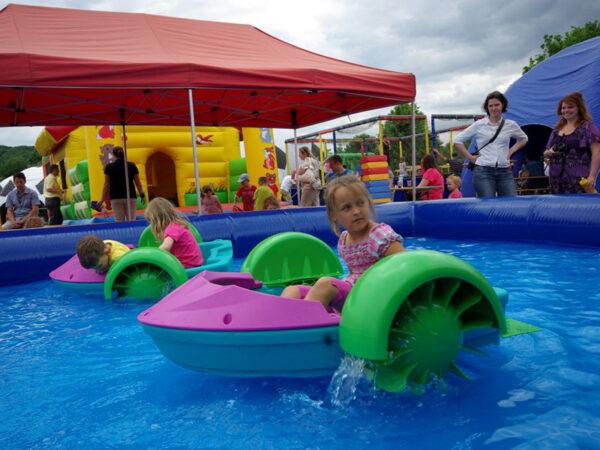Aquapaddler Kinderboote leihen inklusive aufblasbarem Pool