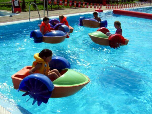 Aquapaddler mieten Wasserbecken Pool