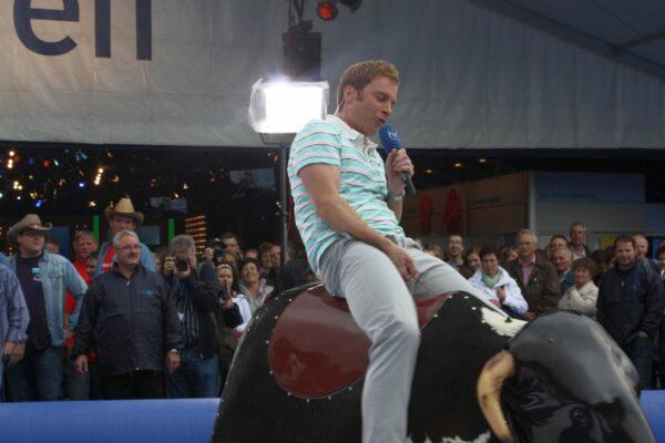 Bayerisches Bullenreiten mieten für Kirmes Kerb Kirchweih Bullriding