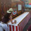 Bierkrugschieben King of Saloon Westernparty Vermietung