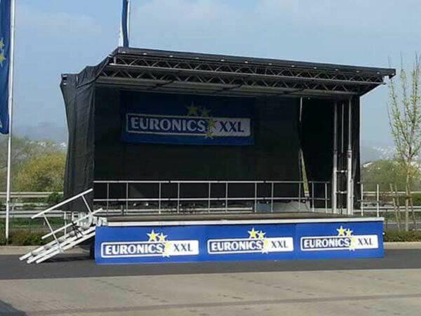 Bühnenanhänger mobile Bühne mieten Veranstaltungsbühne