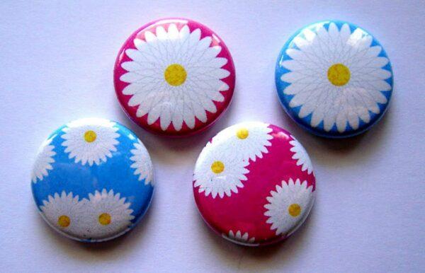 Buttonmaschine Motive Anstecken Givewaways Geschenke Kindergartenfest Vermietung