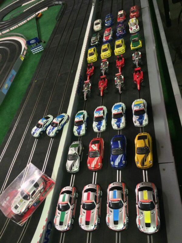 Carrera Rennbahn Grosse Auswahl an Fahrzeugen Pachten