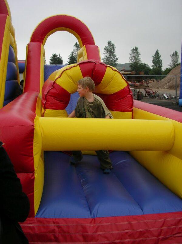 Challengeparkour Kinderspass Outdoor Sicherheit Springen Vermietung