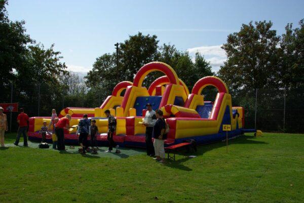 Challengeparkour Outdoor Fussballfest Kinderspass Erlebnis Mieten