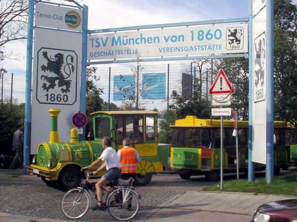 City Bahn Jumbo grün gelb Wegebahn mieten Betriebsführung