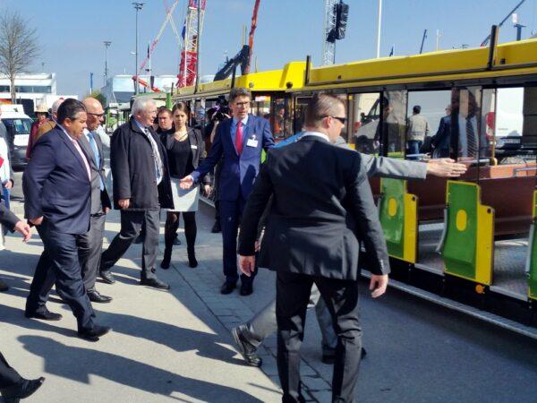 City Bahn Jumbo grün gelb bauma Express Sigmar Gabriel