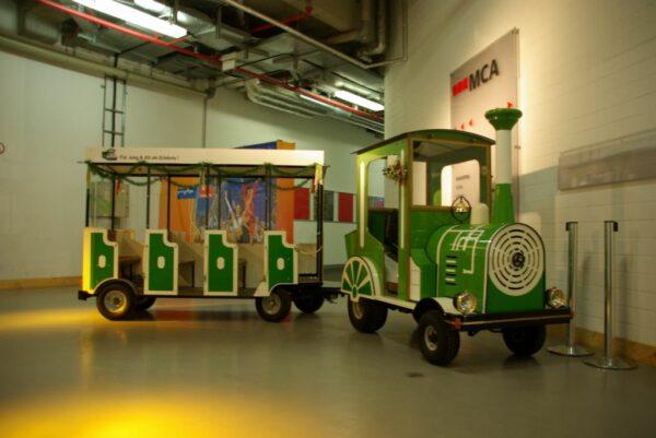 City Bahn Mini gruen weiß Kindereisenbahn buchen