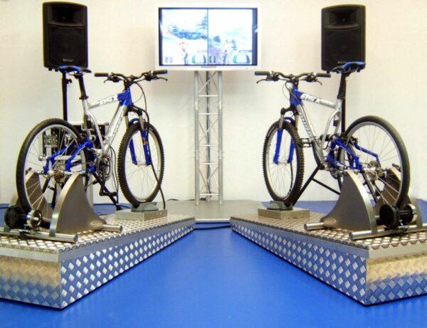 Downhillsimulator mieten Mountainbikesimulator Downhill Doppelmodul