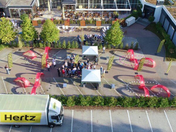 Drohnen Rennen mit Mini Fun Drohnen mieten Tagungshotel Rahmenprogramm