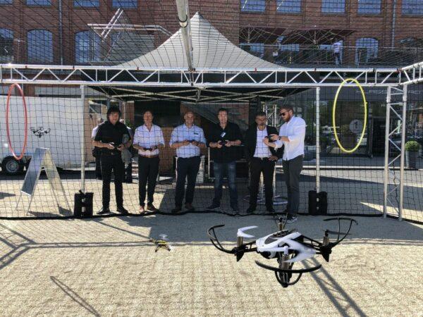 Drohnenkäfig XXL mit Mini Fun Drohnen mieten Teambuilding
