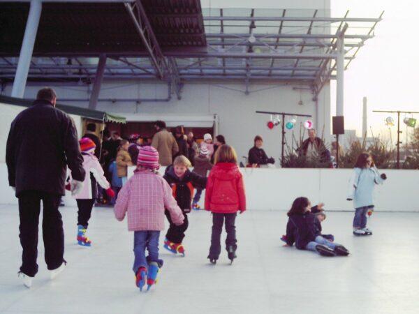 Eislaufbahn aus Kunststoff 150qm Eishockeybahn