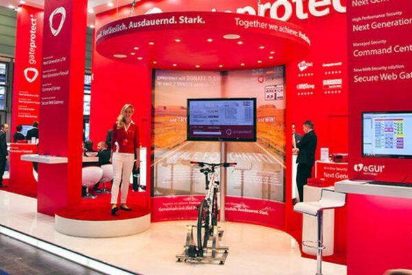 Energy Bike Screen Messestand Spendenaktion