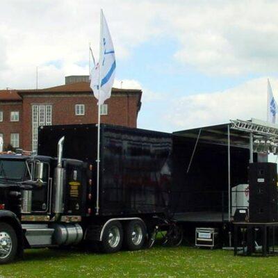 Event- Showtruck als mobile Bühne