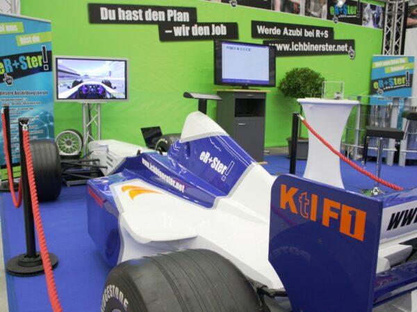 Formel 1 Rennsimulator blau weiss mieten