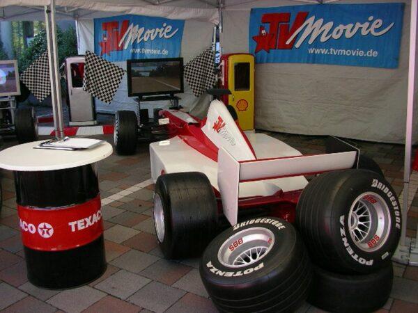 Formel 1 Rennsimulator rot weiss TV Movie Boxenstopp