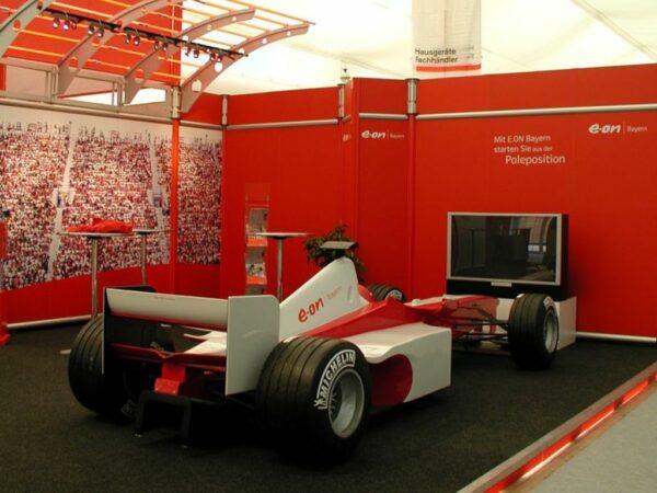 Formel 1 Rennsimulator rot weiss mieten