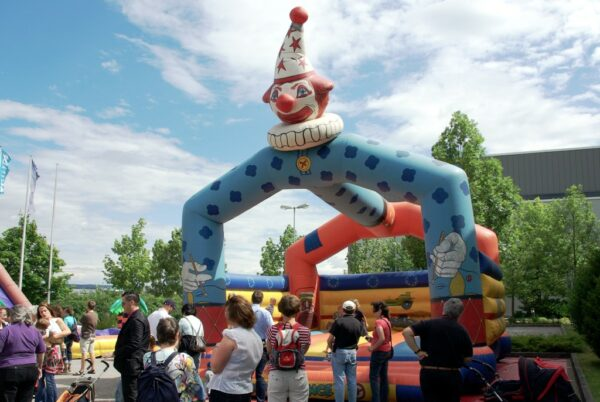Hüpfburg Happy Clown 6x6 mieten