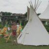 Indianer Kinderdorf optional mit großem Tipi und Indianer Darsteller