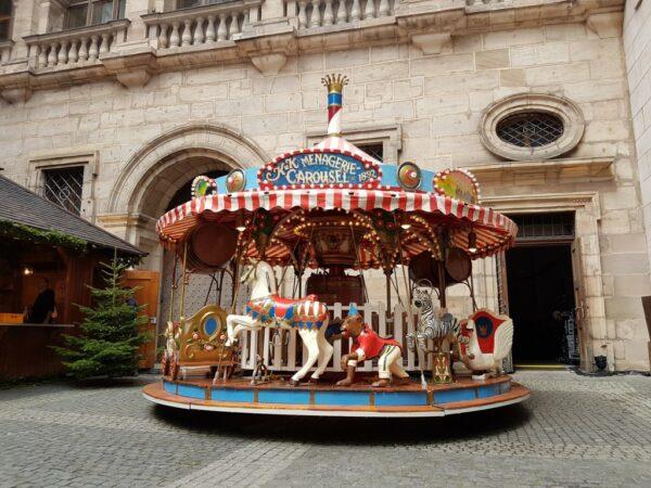 Karussell Menagerie Dampfkarussell 25 Plätze Christkindlesmarkt Nürnberg
