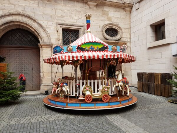 Karussell Menagerie Dampfkarussell 25 Plätze für Erwachsene Weihnachtsfeier