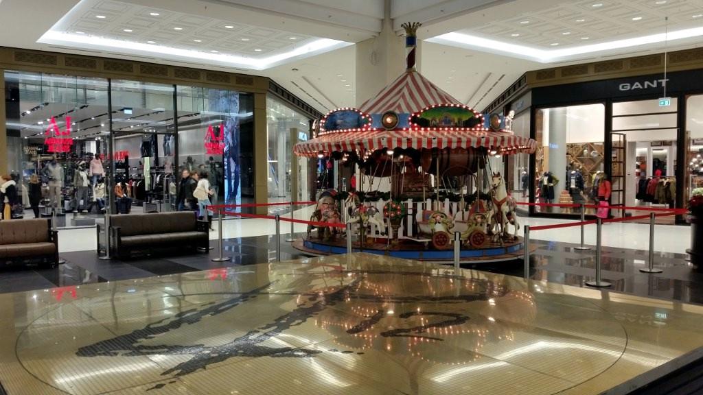 Karussell Menagerie Dampfkarussell Weihnachtsmarktkarussell Lastenaufzug