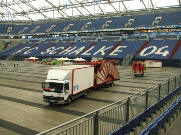 Karussellbar gross Weissbierkarussell auf Deutschlands grösster Ü30 Party in der Schalke Arena