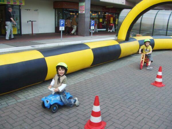 Kinderfahrschule Fahrzeugmanege Fahrtraining für Kids