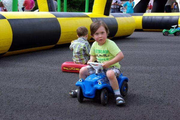 Kinderfahrschule Fahrzeugmanege mieten