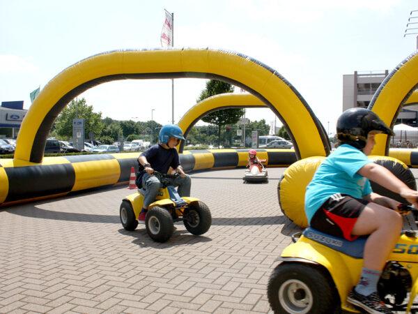Kinderfahrschule mit benzinbetriebenen Quads aufblasbare Umrandung