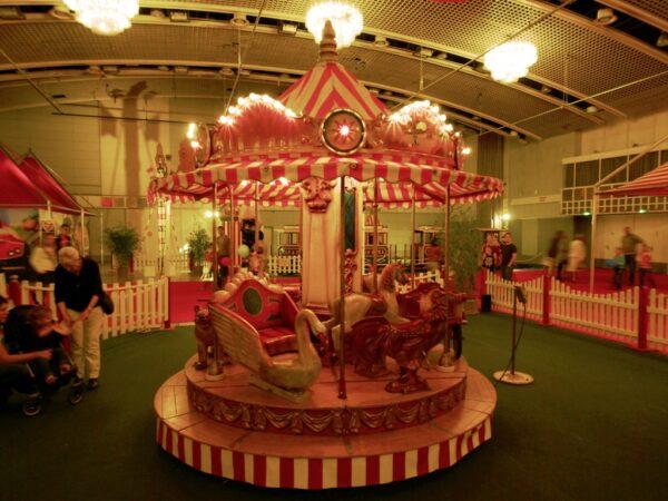 Kinderkarussell mieten Lafayette 10 Plätze Nostalgiekarussell