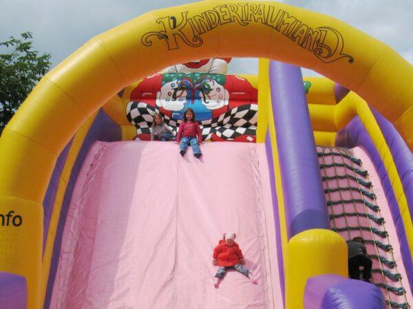 Kindertraumland Riesenrutsche Zirkusclown
