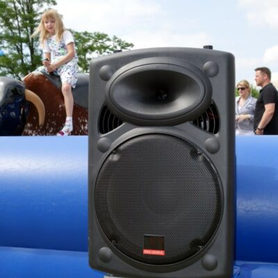 Mobile Musikanlage mit Funkmikrofon 700W