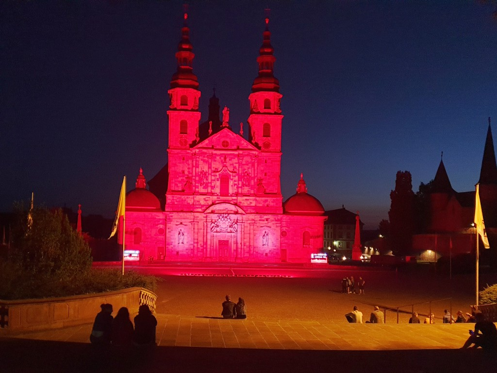 Night of Light Fulda Dom rot angestrahlt