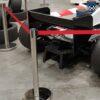 Personenleitsystem Absperrständer chrom Gurtband rot zum Anleiten von Personenschlangen