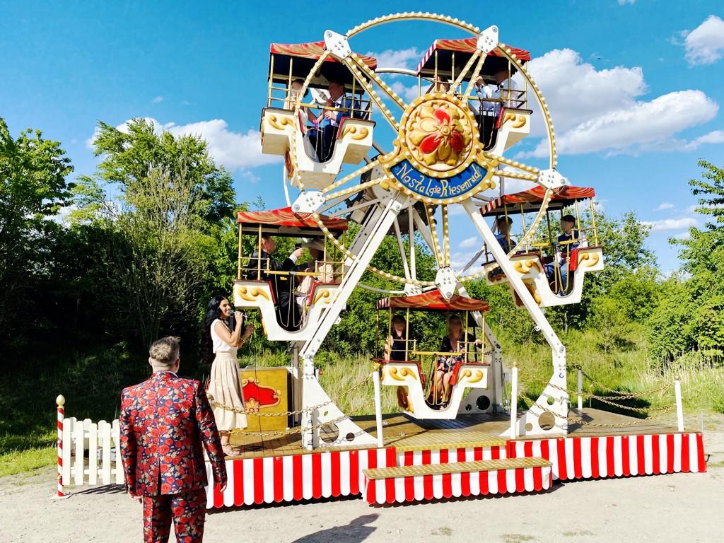 Riesenrad Hochzeit Froonck mit Riesenrad im Gepäck