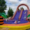 Riesenrutsche mit Wasserpool Ballpool...