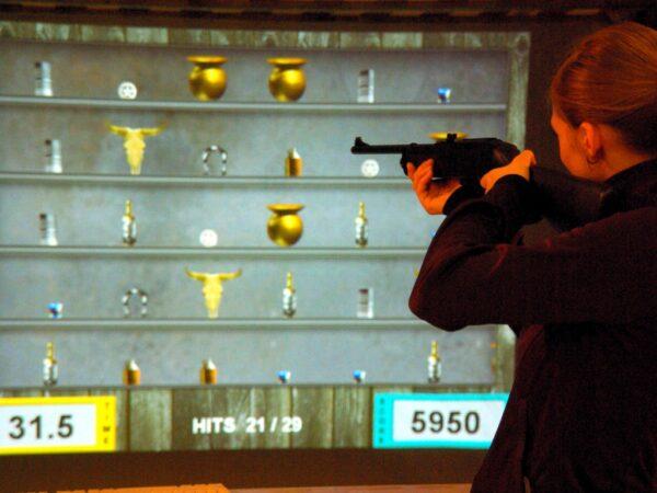 Schießsaloon Spieleinsatz Lasershooting Westernparty mieten