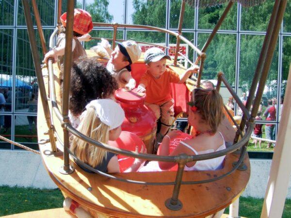 Schiffschaukel mieten für Kinder und Erwachsene