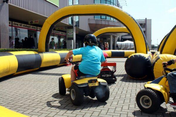 Sicherheitsumrandung aufblasbar für Kettcars Quads Bobbycars Elektrofahrzeuge mieten Kinderfahrschule