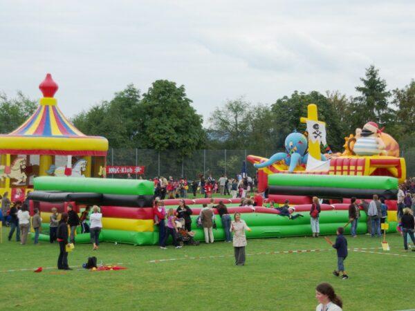 Soccer Court XL hier auf dem KNAX Fest der Sparkasse im Einsatz