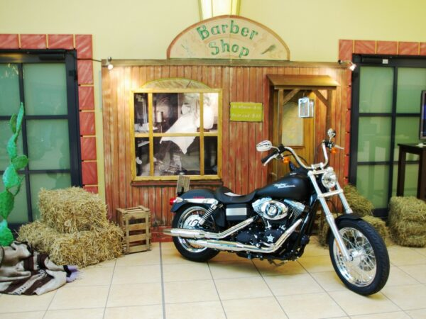 Western Dekowände Barber Shop mieten Fotobox Westerparty