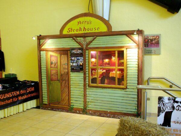 Westernparty Deko Kulissenwände Steakhouse mieten Kulissenstellwand